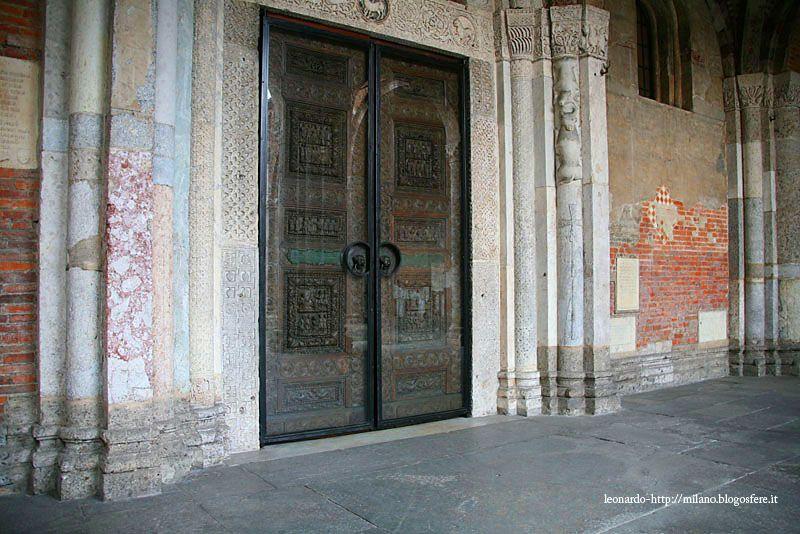 La porta lignea di Sant\'Ambrogio a Milano | porte antiche
