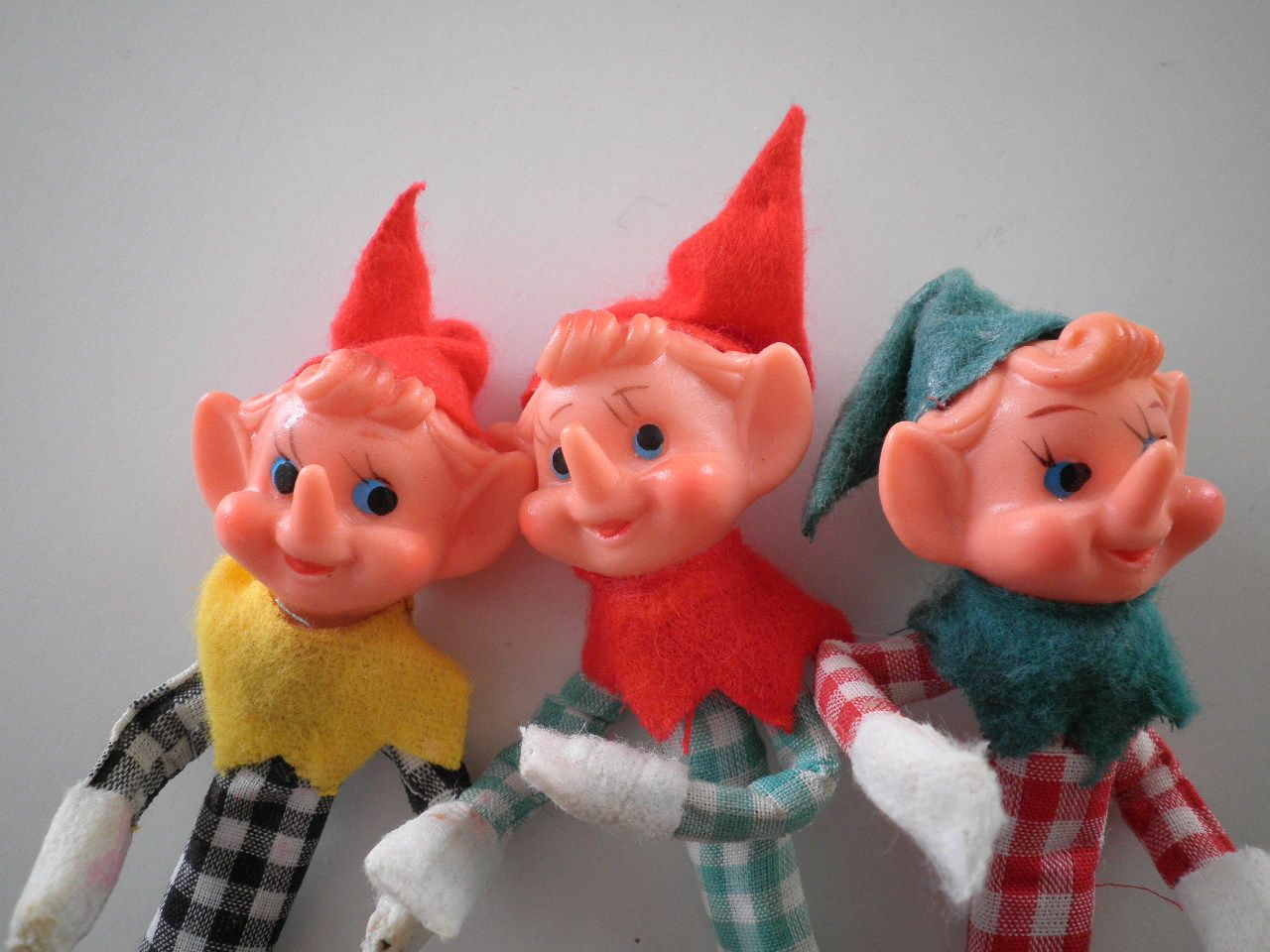 Elves snap crackle pop elf fun funny xmas vintage