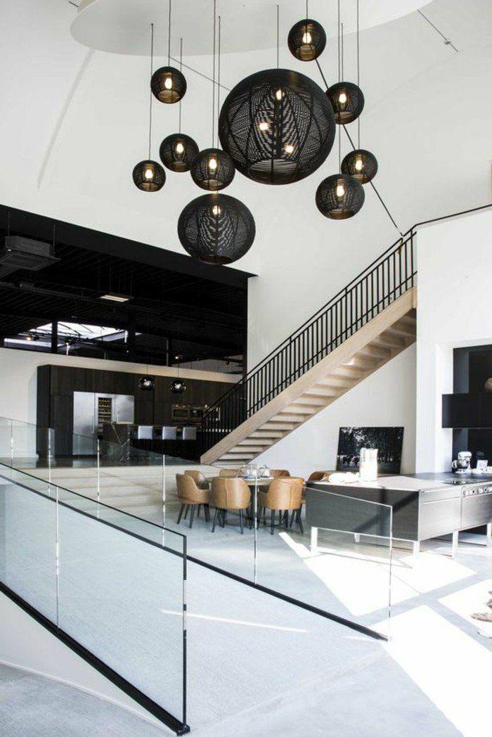 Luminaire design lustres pas cher en rotin noir dans une demeure esprit loft en blanc et noir