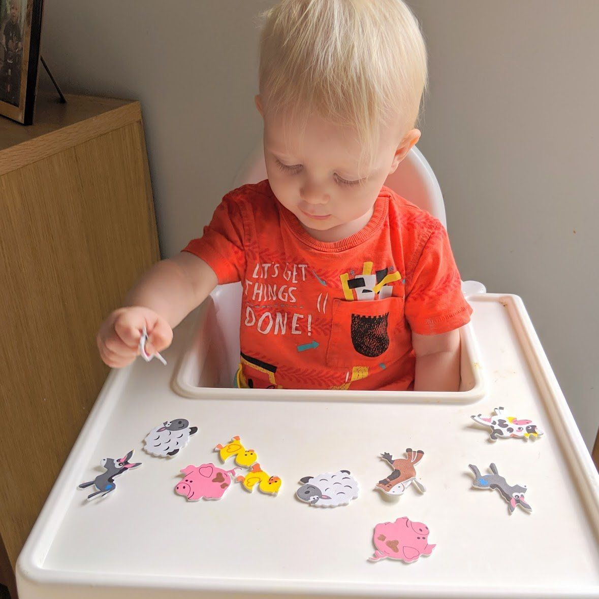 21 Highchair Activities For Toddlers And Tabbies Toddler Activities Toddler Learning Activities Baby Sensory Play