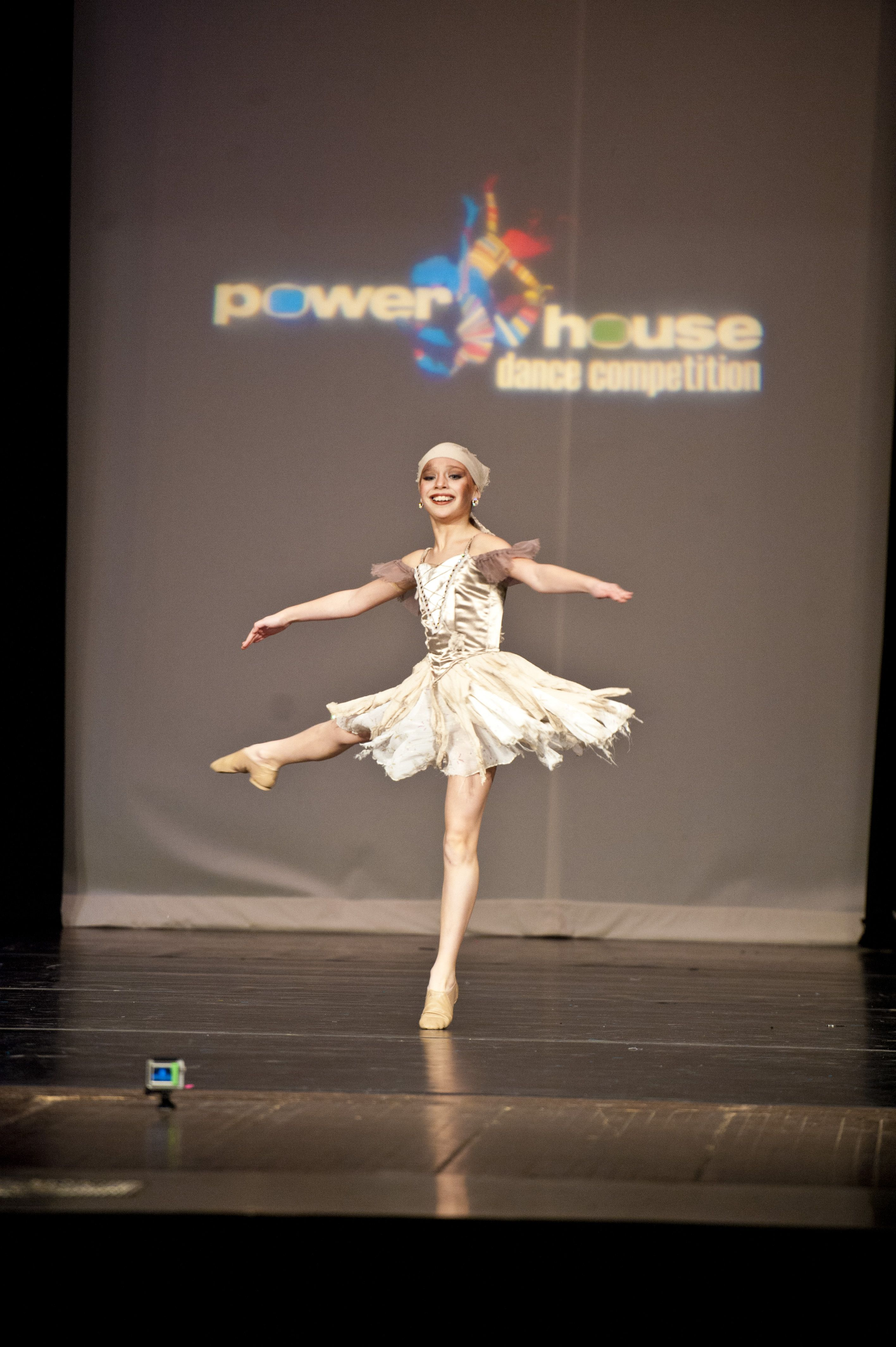Dance Moms' Maddie performs at a dance competition ...