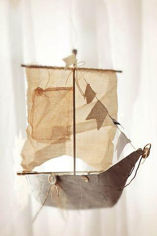 Segel- und Piratenboot