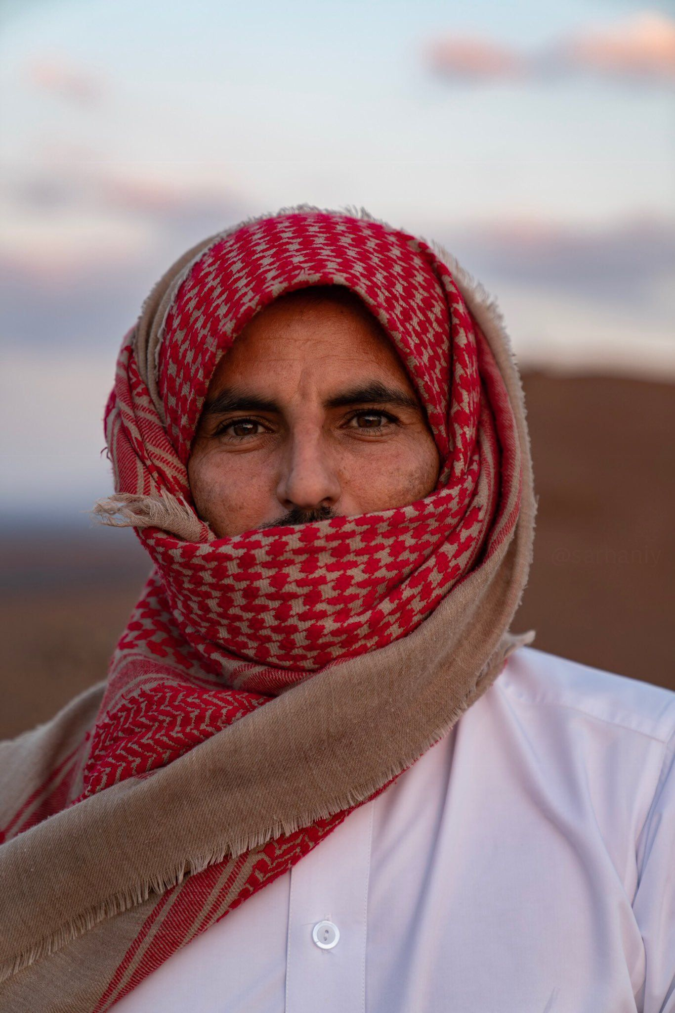 Pin on ساهر الليل - Gulf people things