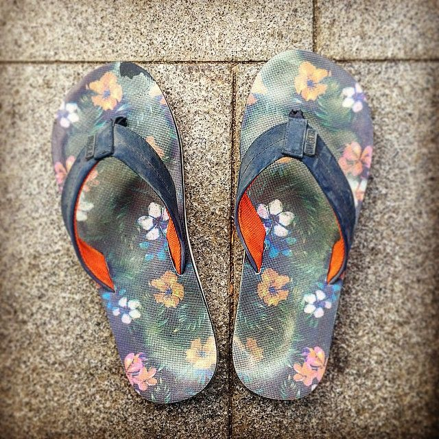 9a29f061bcb Havaianas Thongs Snapping Following Only A Couple of Months  flipflopday   flipfloplife  flipflopshops
