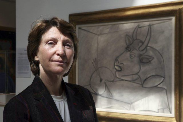 Marina Picasso. is selling Picasso's artwork