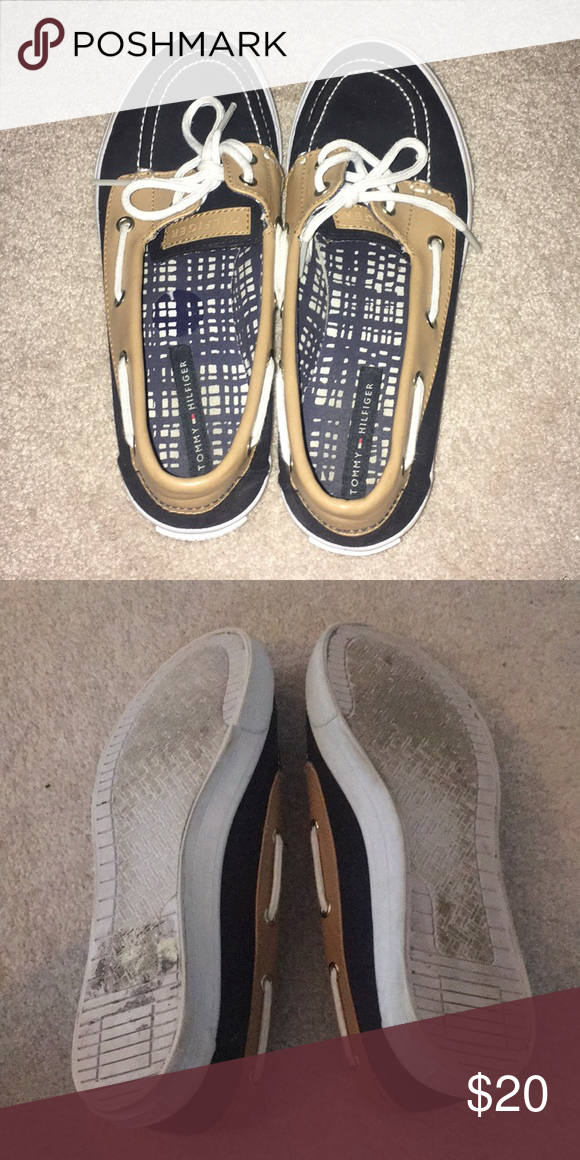 tommy hilfiger sperrys💕 •authentic tommy hilfiger •gently worn •similar to sperrys  Sperry 4be2901be2fe