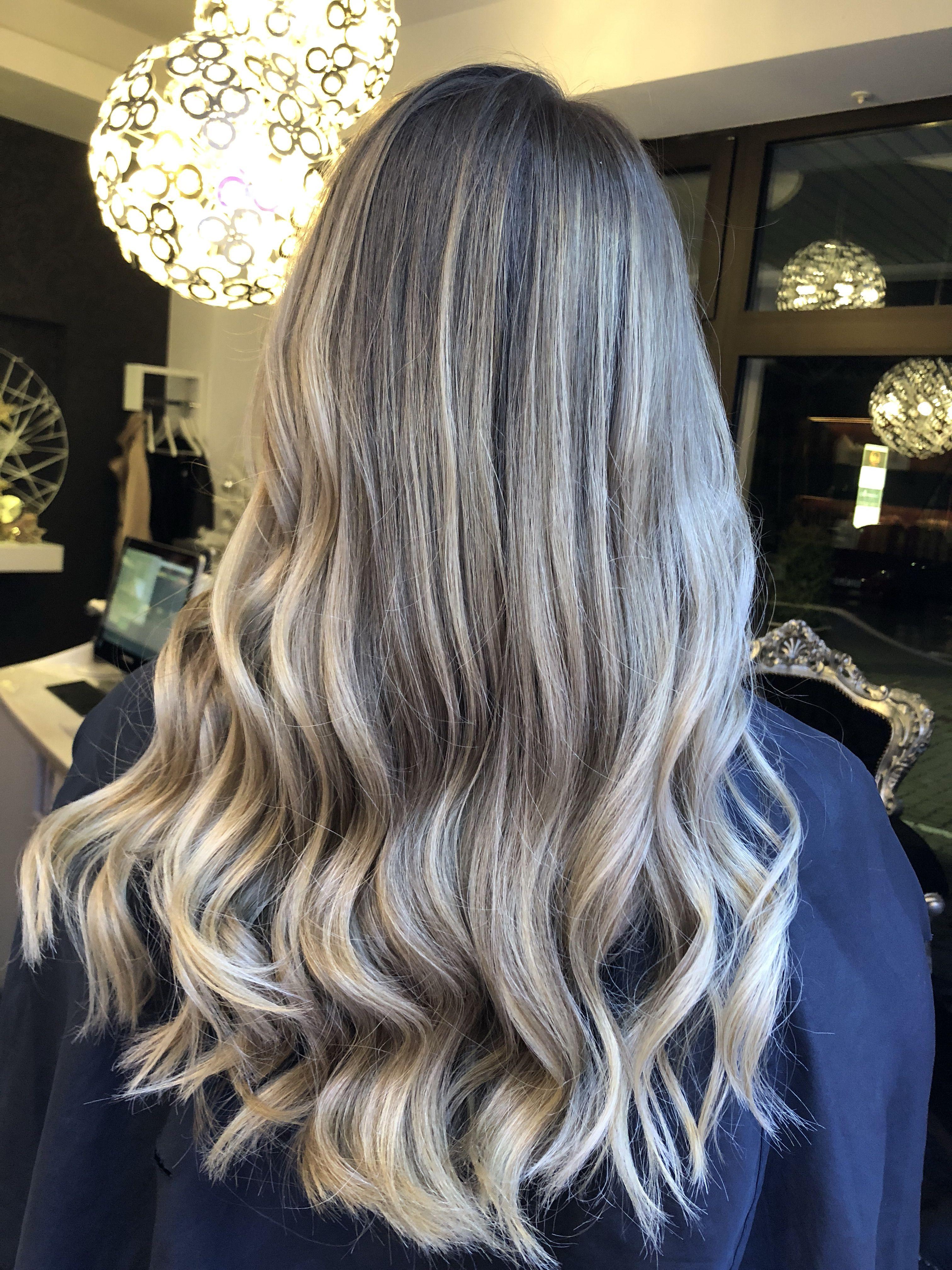 Haartrend 2019 Hairstyle 2019 Lange Haare Blonde Haare Balayage