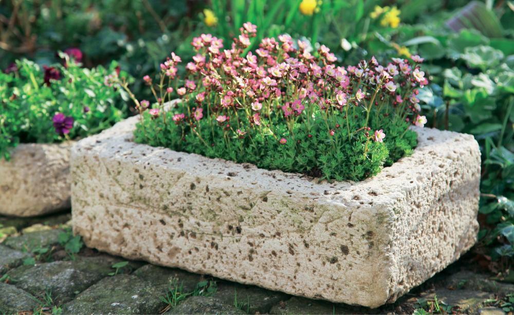 pflanzgef e aus beton selber machen beton pinterest auf den ersten blick natursteine und. Black Bedroom Furniture Sets. Home Design Ideas