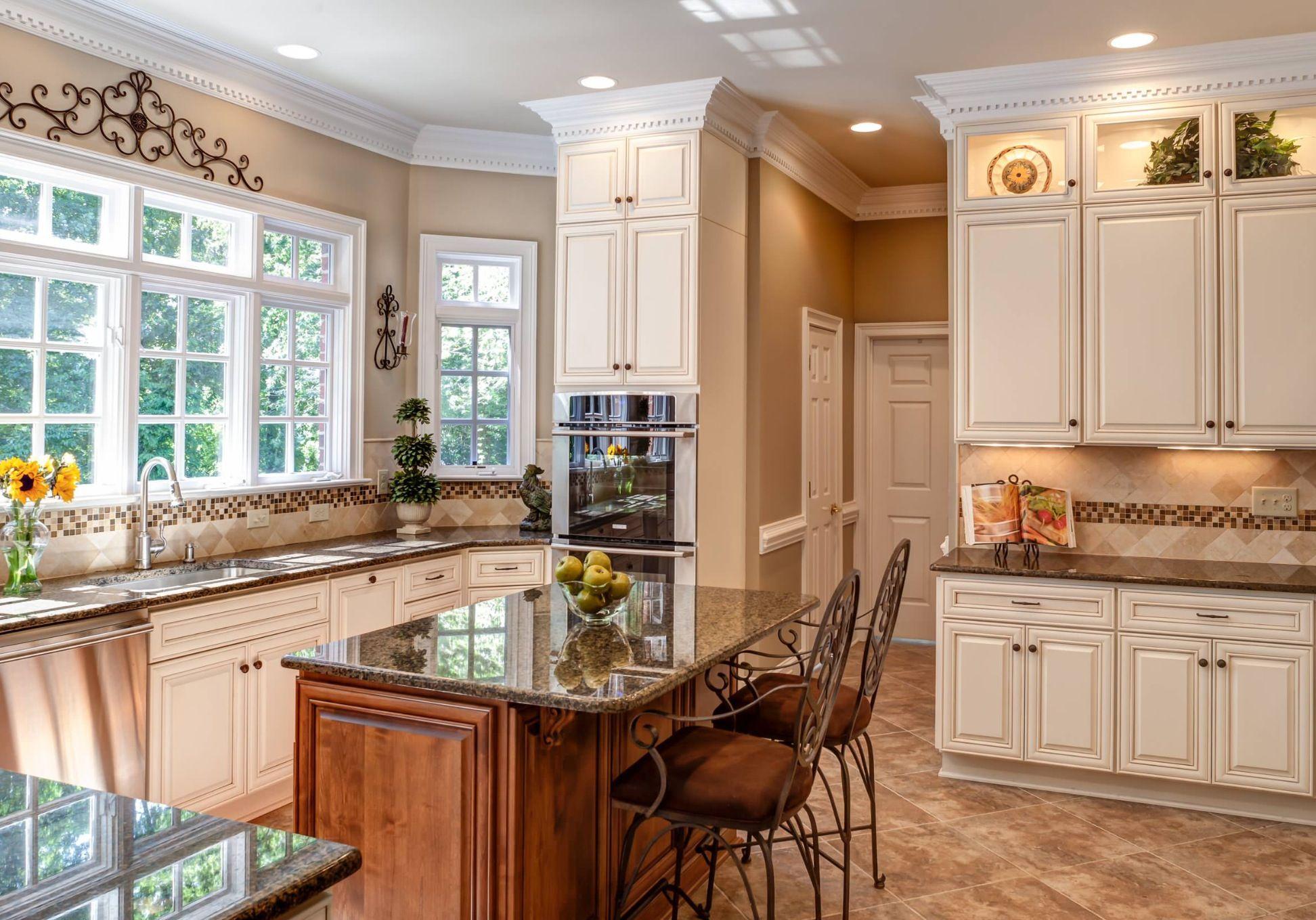 Kitchen love this! | Kitchen remodel design, Traditional ...