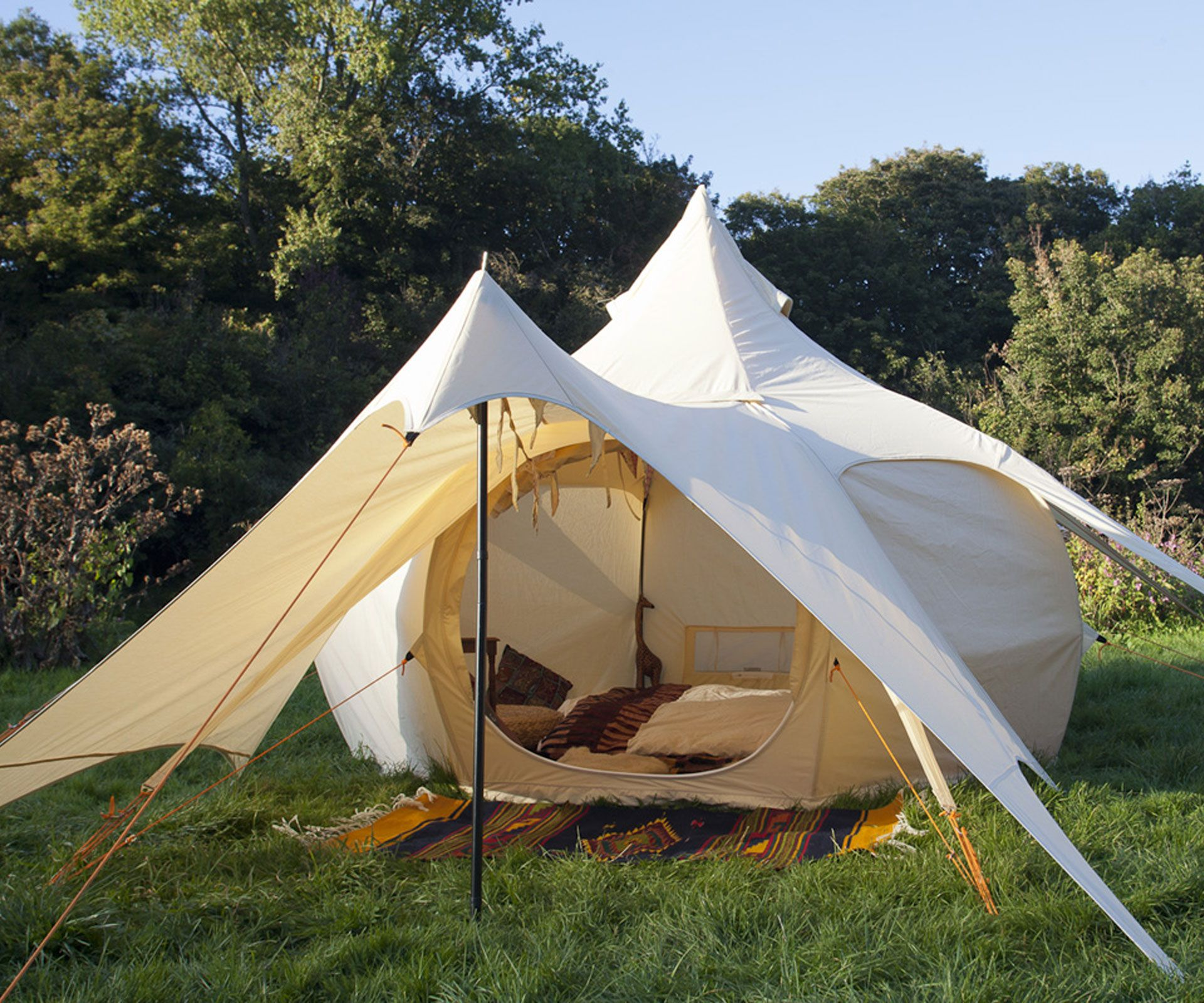 A luxury tent set to take the gl&ing world by storm - & Meet the Lotus Bud the latest addition to the Lotus Belle ...