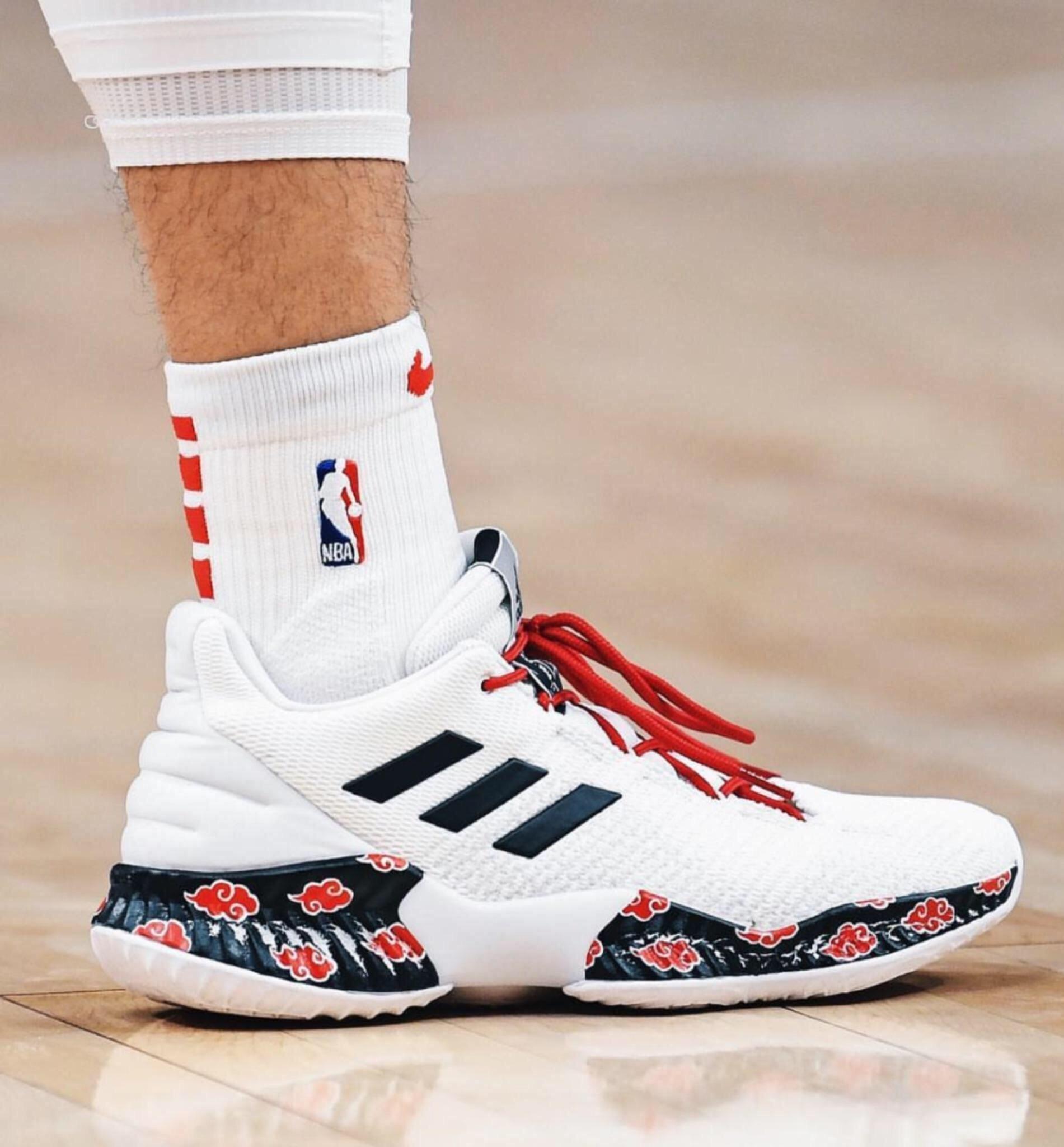 e928fa0a207c Jeremy Lin from the Atlanta Hawks wearing custom Akatsuki Adidas ...