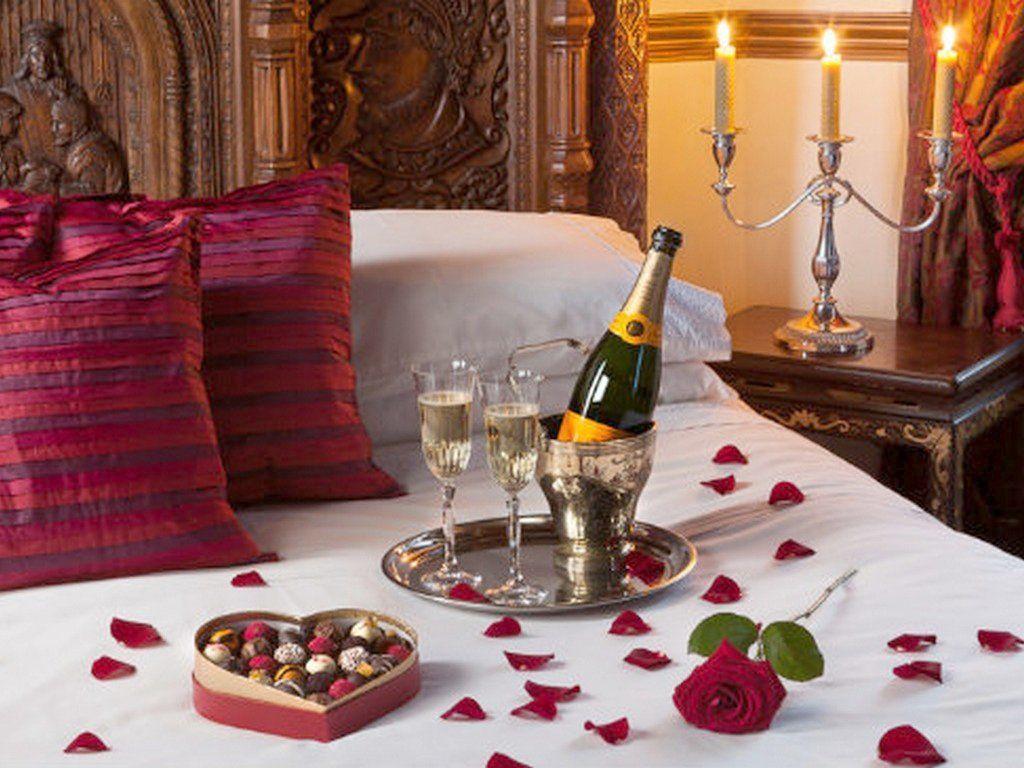46 Valentines Day Decor Bedroom Romantic Https Silahsilah Com Design 46 Valentines Day Dec Valentines Bedroom Romantic Room Decoration Romantic Bedroom Decor