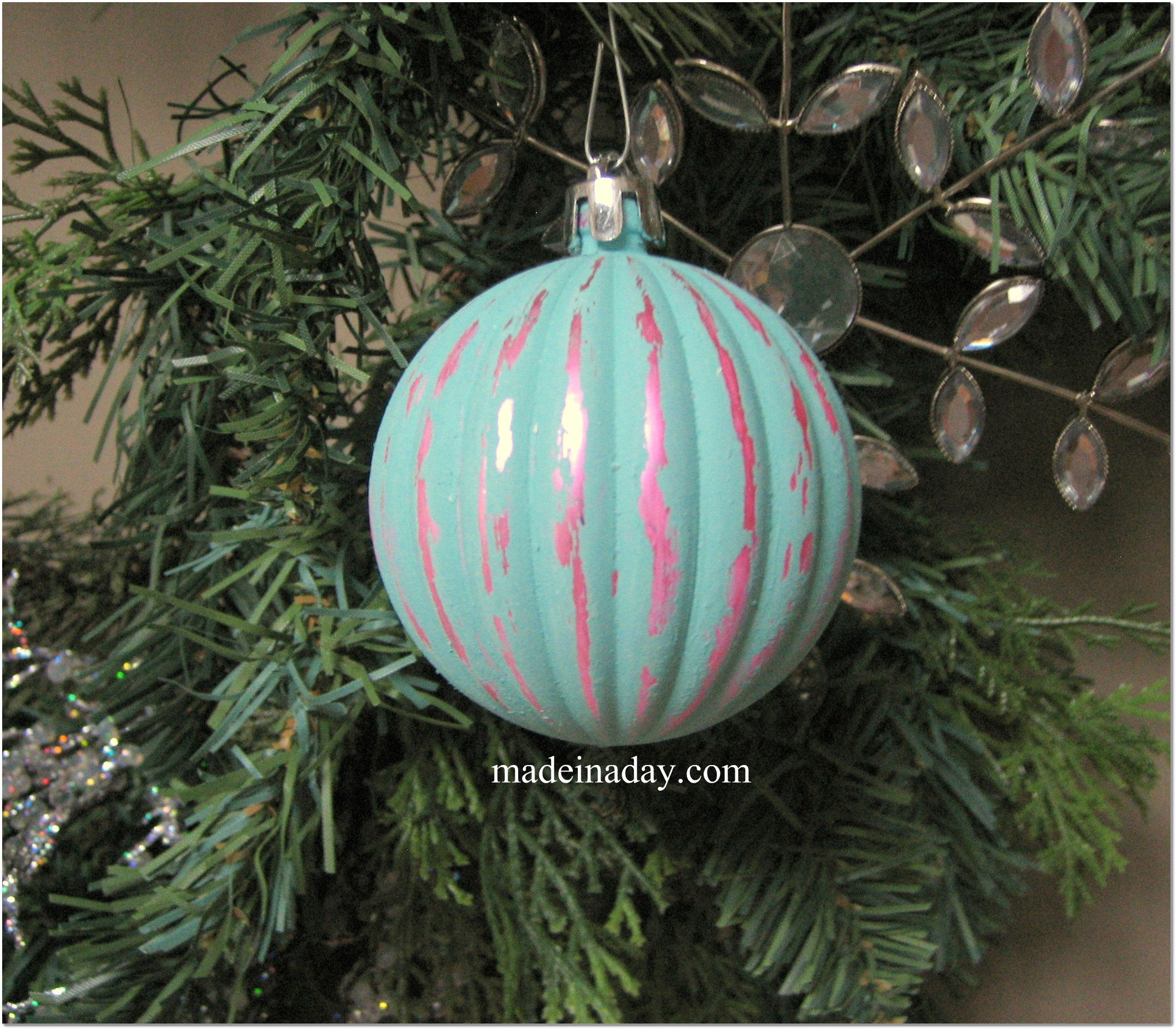 Shabby Ornaments Paint With Chalk Paint Then Sand Off Some