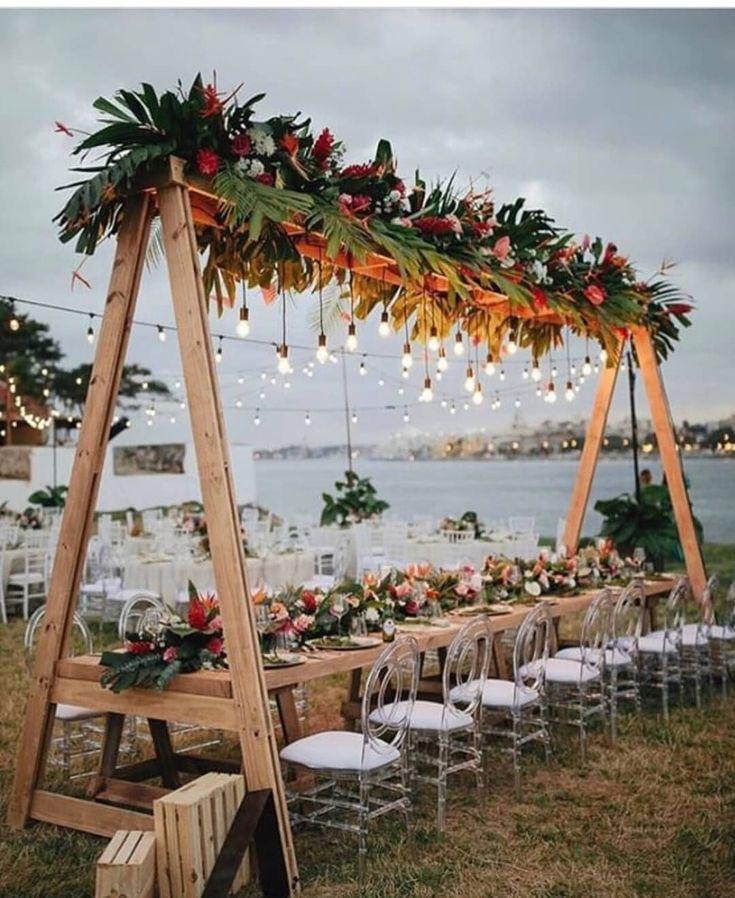 Vintage en elegante bruiloftdecoratie-ideeën: tuinhuwelijk; huwelijk buitenshuis; w …