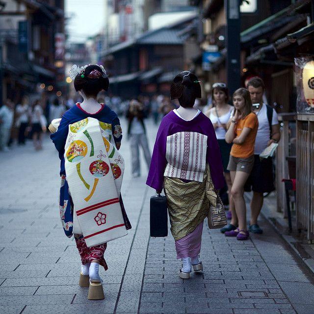 Darari obi of okiya Tsurui (Gion Kobu)
