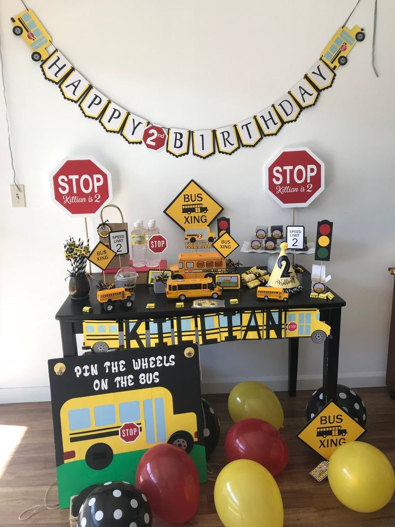 Wheels on the bus party set of 4 centerpieces Etsy in
