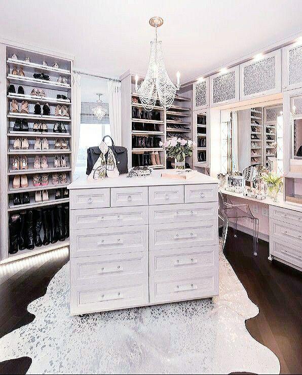 Jericho New York Apartments: Bedroom Closet Design, Closet