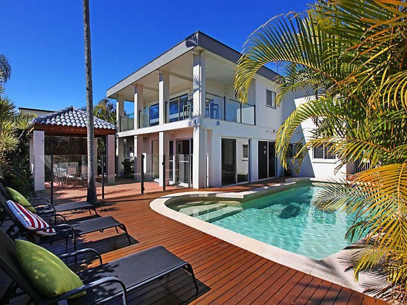 Amalfi Gold Coast is a luxury, stylish fully airconditioned