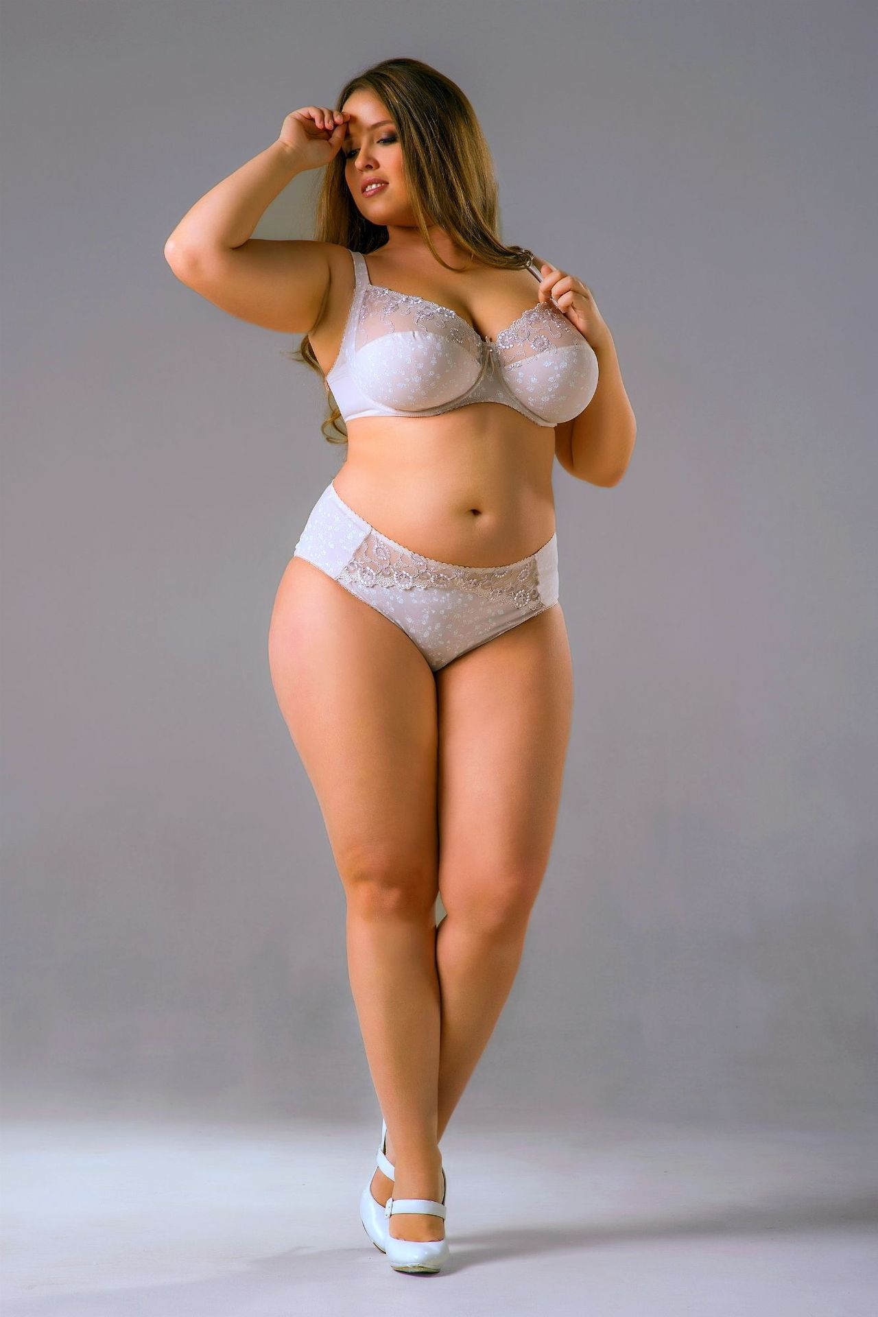 This The New PLUS SIZE Victoria Secrets Model | Pretty Women ...