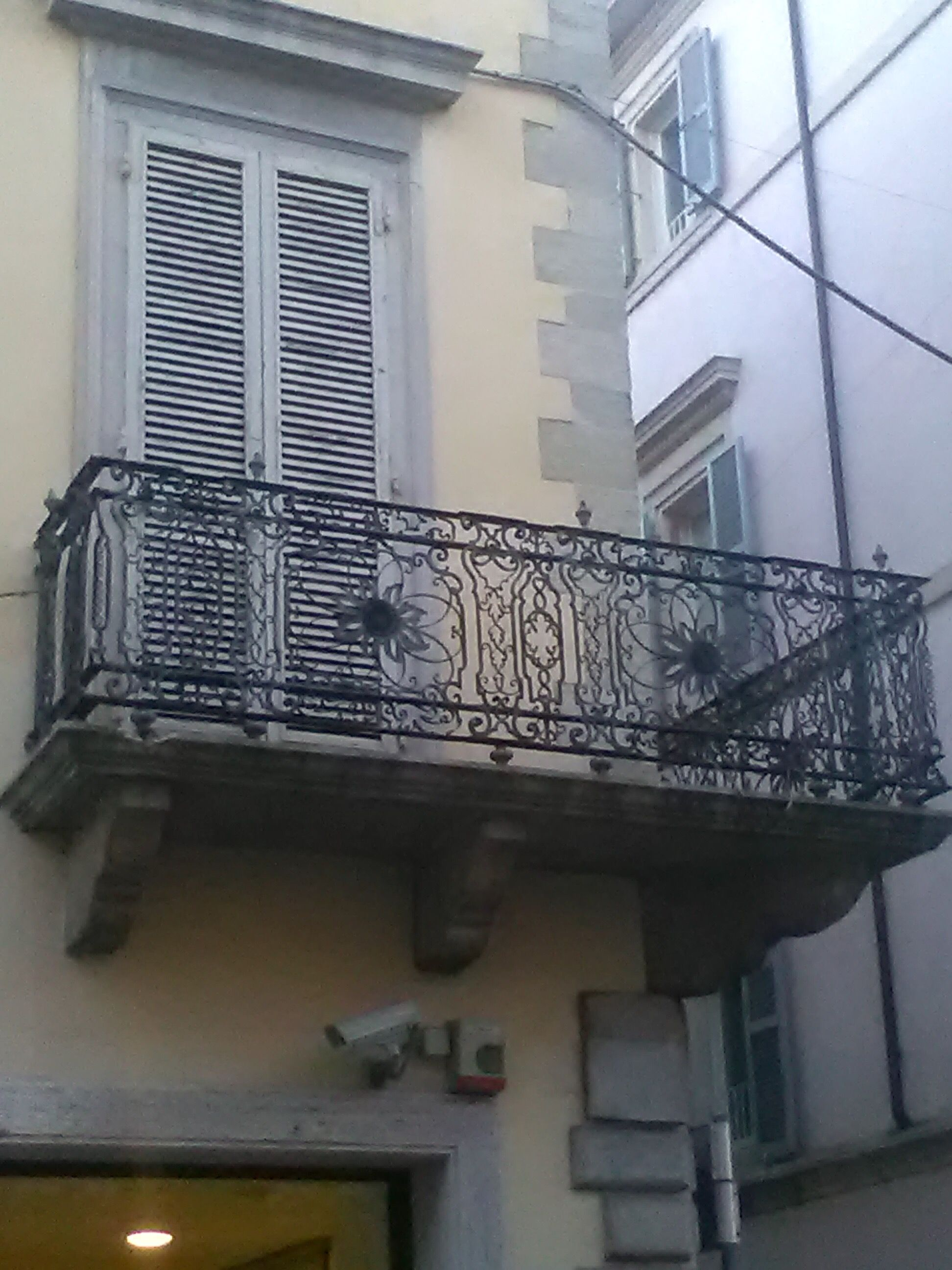 Balconi di Rimini. Corso d'Augusto, angolo via Soardi