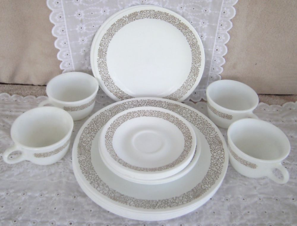 23 Corelle Corning Dinnerware Woodland Brown Dinner Lunch Bread ...