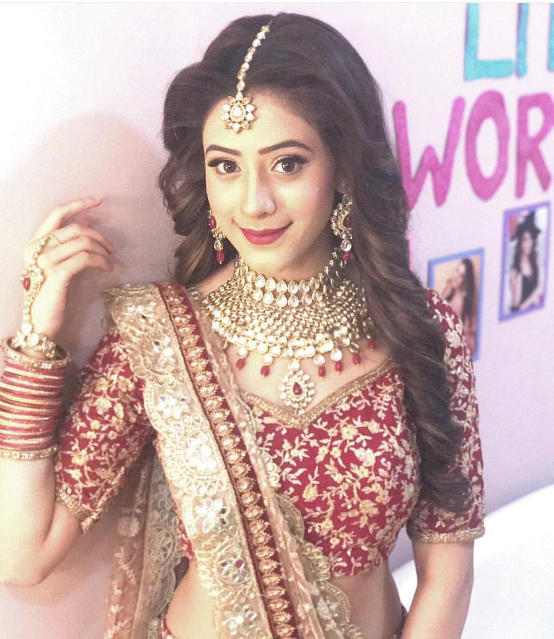 Follow me Aaysha khan 💕🤘💕 Elegant girl, Bollywood girls