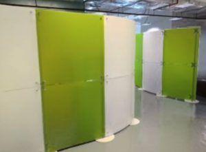 Raumteiler Trennwände lichtdurchlässige stellwände und raumteiler trennwände büro