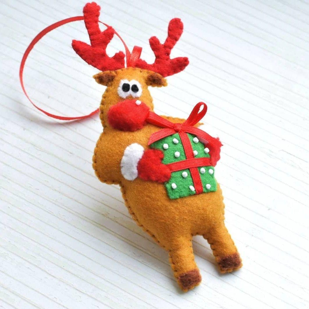 Felt Reindeer Ornament Christmas Decoration Christmas Tree Etsy In 2021 Christmas Ornaments Reindeer Ornaments Felt Christmas