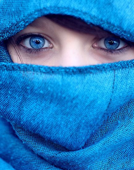 Dear Miss Lonely Heart There S Something About Blue Eyes The Kind Of Blue That Startles You Most Beautiful Eyes Beautiful Eyes Color Beautiful Eyes Images