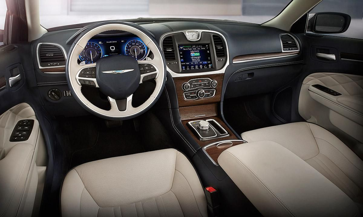 Newcarreport 2016 Chrysler Aspen Interior
