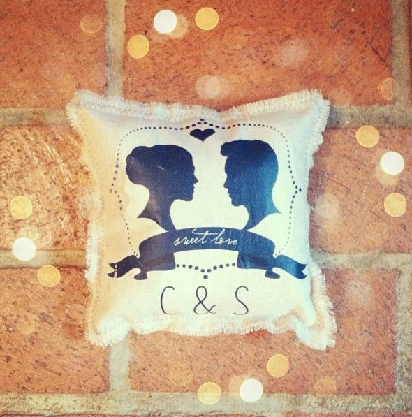 DIY ring pillow by WC reader Claire Weatherby using our printable! Love this!! http://www.weddingchicks.com/freebies/custom-monograms/