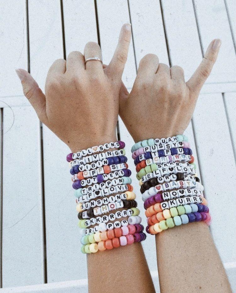 Pin by jasmi 🦋 on aesthetic ☆ | Beaded bracelets, Pony ...