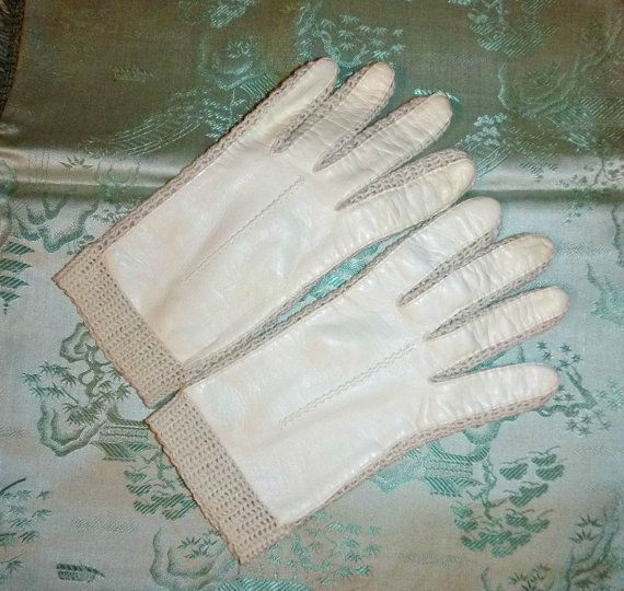 SALE 60s White Leather Driving Gloves Womens Vintage Accessory Mid Century Soft Leather & Crochet 1960s Ladies Mod Mad Men Fashion Med Size
