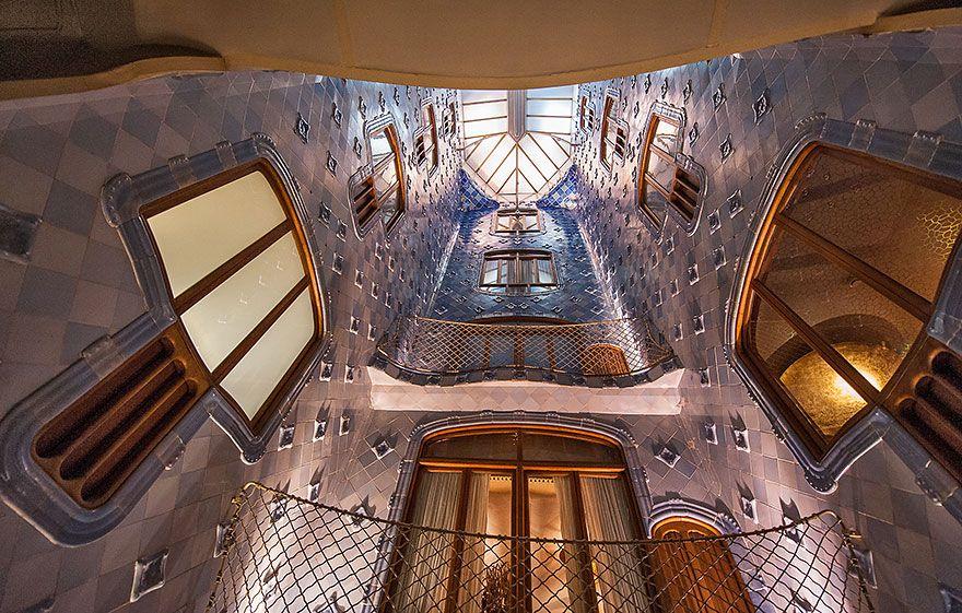 Casa Batllo Interior Patio Antoni Gaudí Gaudi Antoni