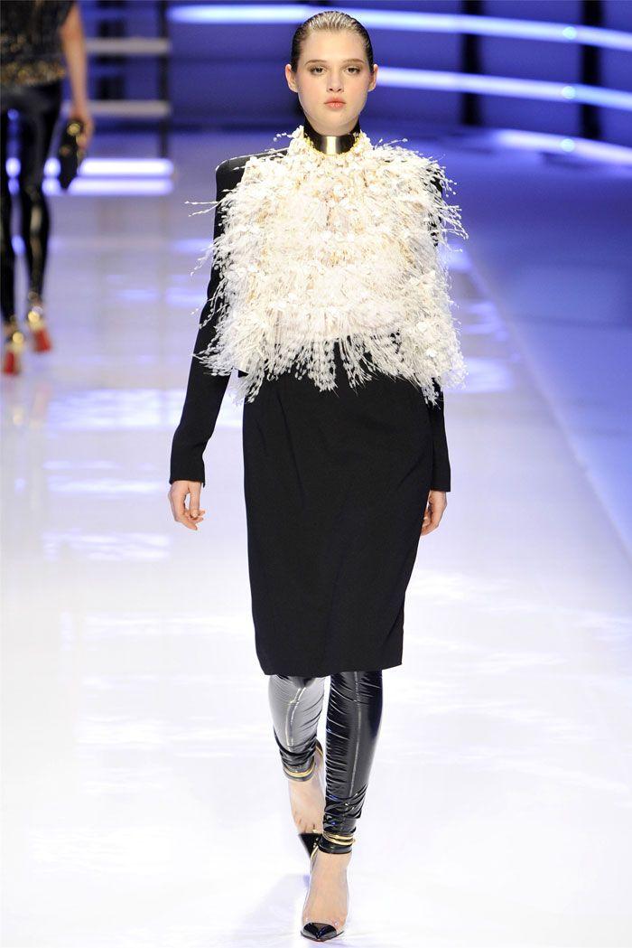 "Alexandre Vauthier - Fashion - Jacket - Fur ""…He Made you garments.."" Surah Nahl, 81 ""….giyimlikler de Var etti..."" Nahl Suresi, 81"