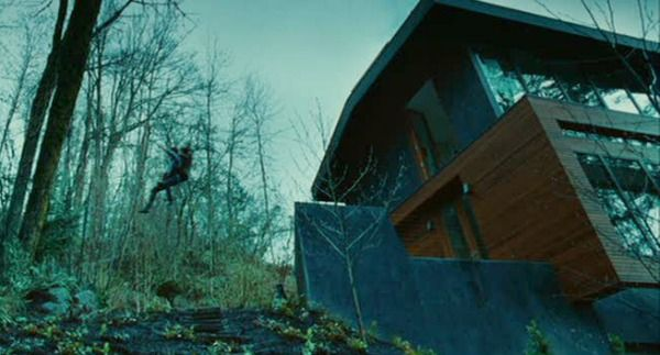 Twilight Bella Swan S House Is For Sale In Oregon Hooked On Houses Twilight Pictures Cullen House Twilight Twilight