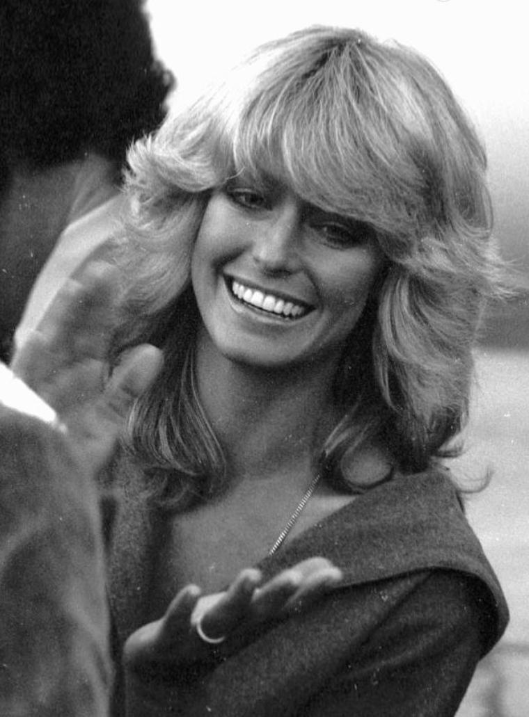 Blog de STARS-in-BLACK-and-WHITE | Coiffure, Coupe de cheveux et Coiffure année 80