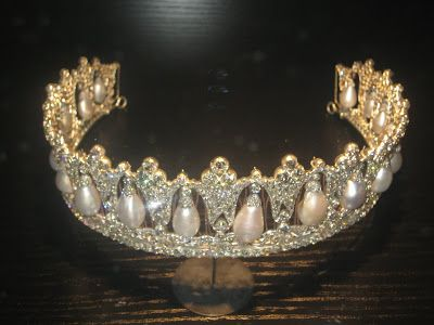 Trond Norén Isaksen: Royal jewels: Danish poiré pearl tiara