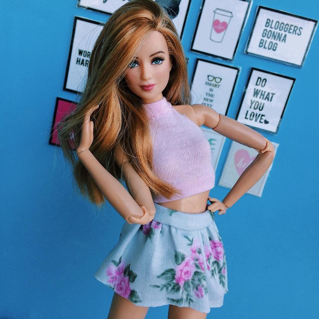 Oi meus amores! #lookdodia para vocês! Quem gostou por favor deixe seu like que ele é muito importante pra mim ???? #barbie #barbiefashion… #barbiefurniture