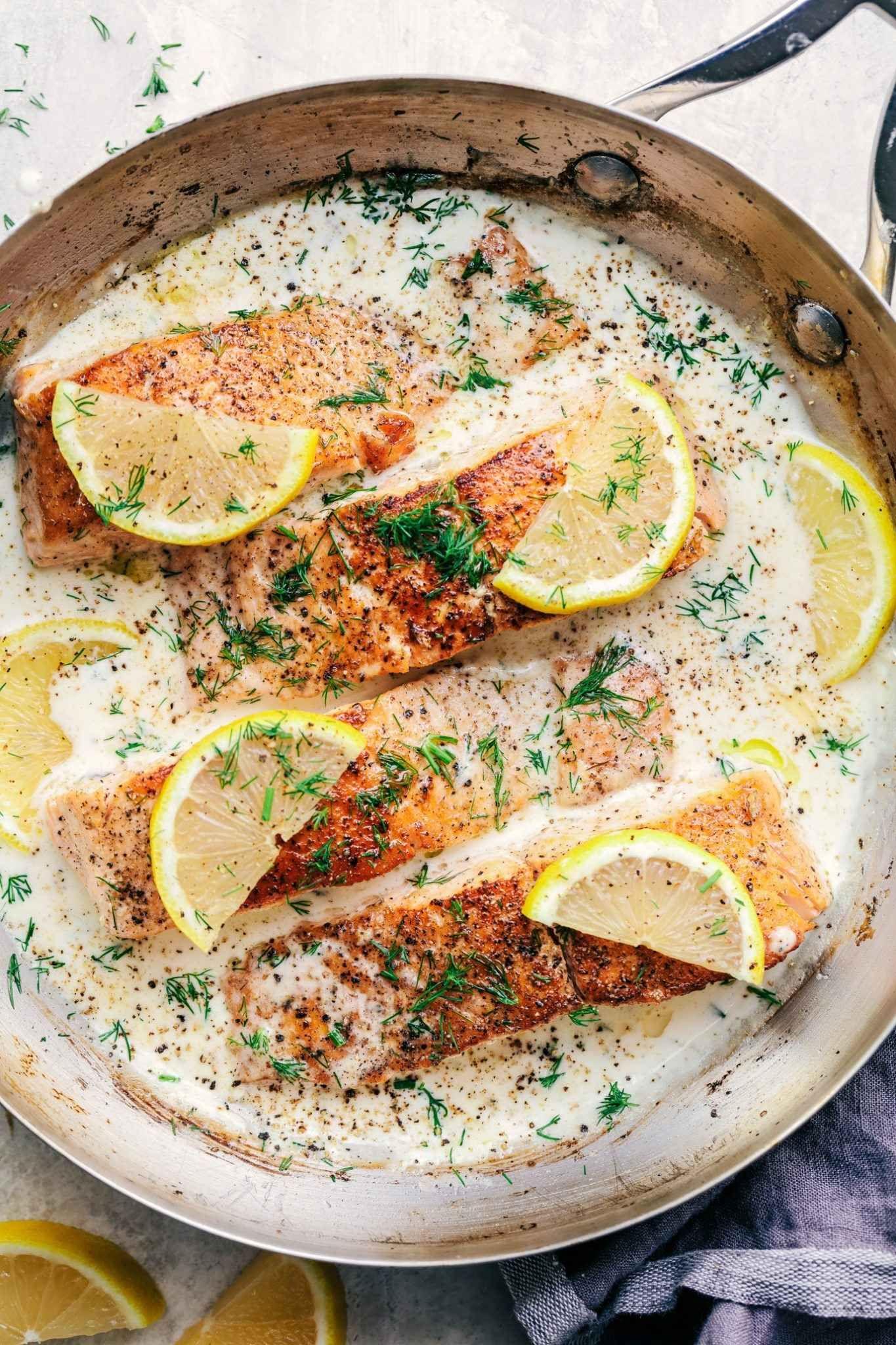 Photo of Pan-fried salmon with a creamy lemon-dill sauce – Recipes De