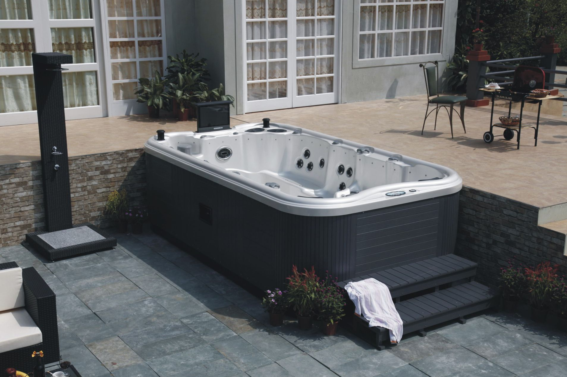 Jacuzzi Tubs Jacuzzi Hot Tub Wholesale Trader From New Delhi