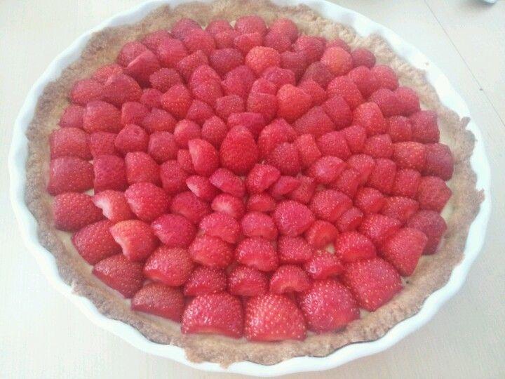 Une tarte a la fraise poulette hummm!!!!