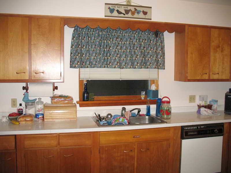 Painting 1960s Kitchen Cabinets, 1960s Kitchen Cabinets
