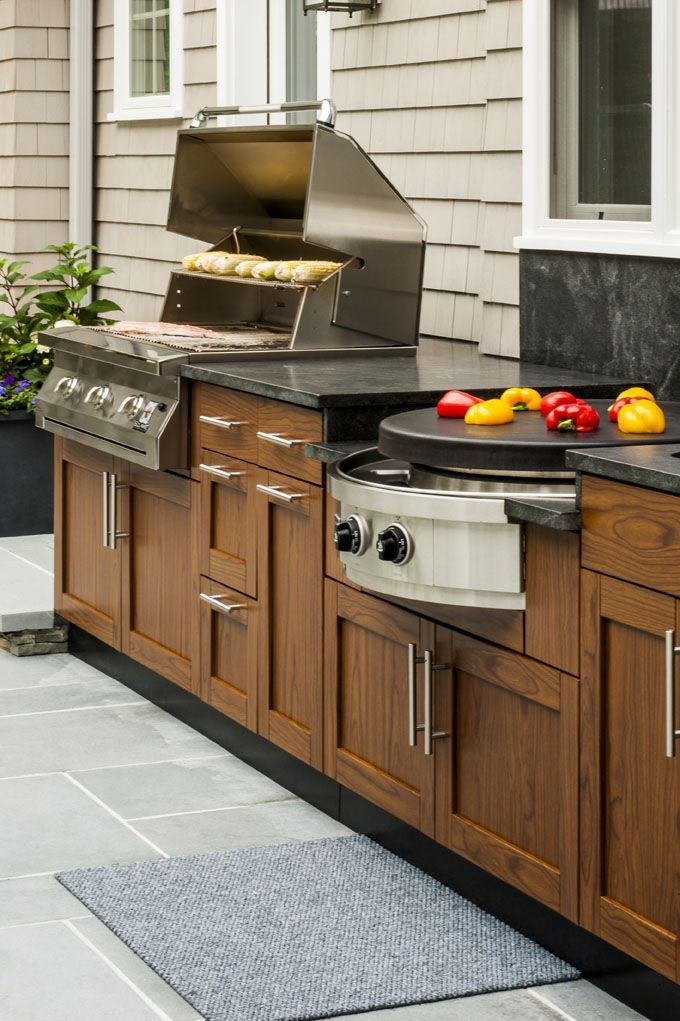 Best This Outdoor Entertainment Space Features Danver Cabinetry 640 x 480