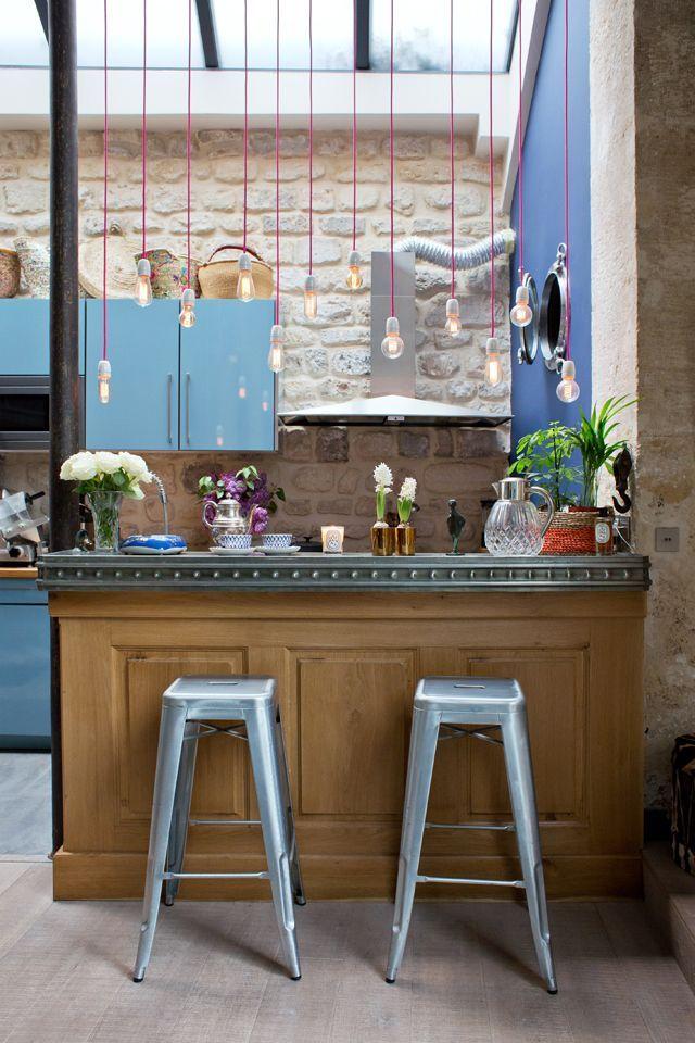 Cuisine ouverte avec bar rétro - Open Kitchen with a vintage bar - idee bar cuisine ouverte