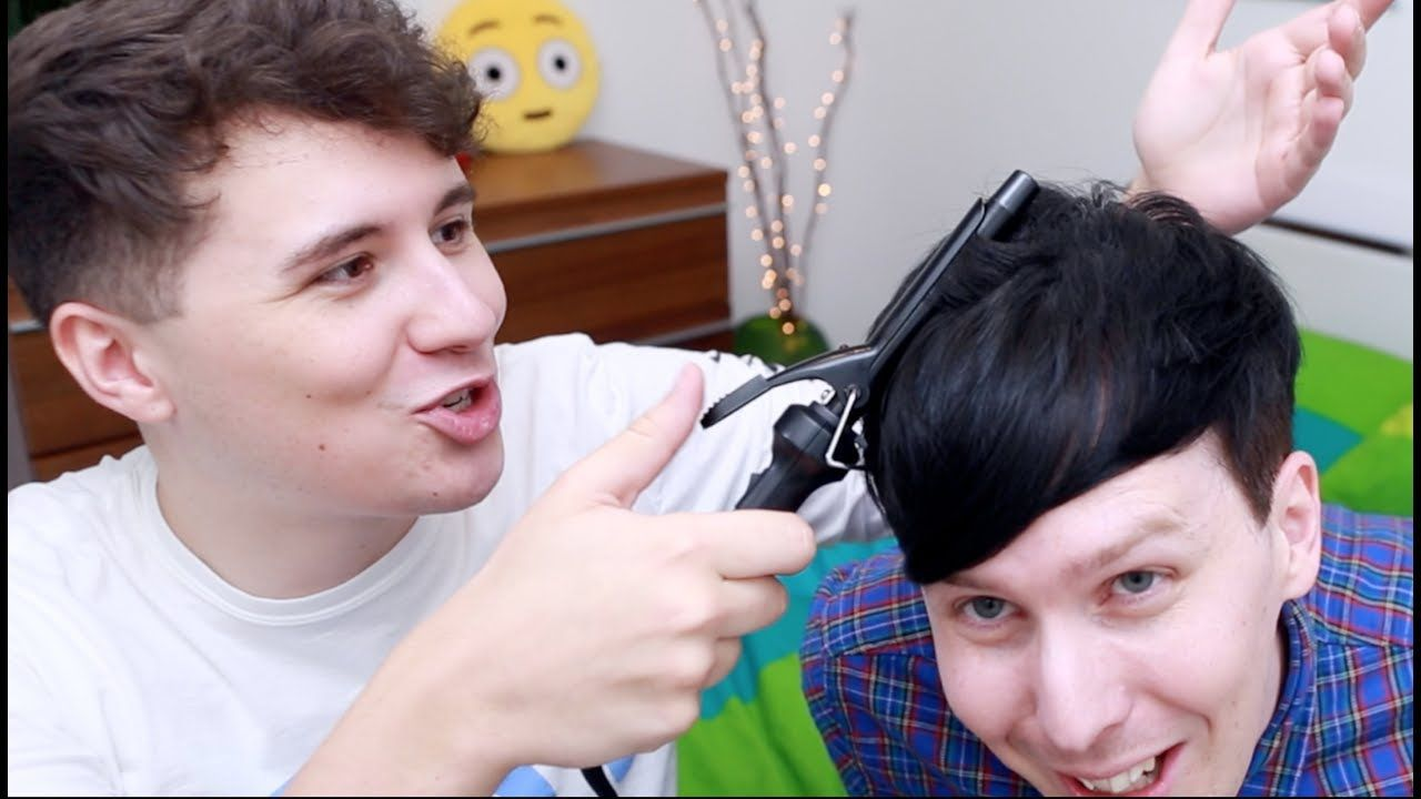 As the last youtuber with emo hair i got some help from dan to join