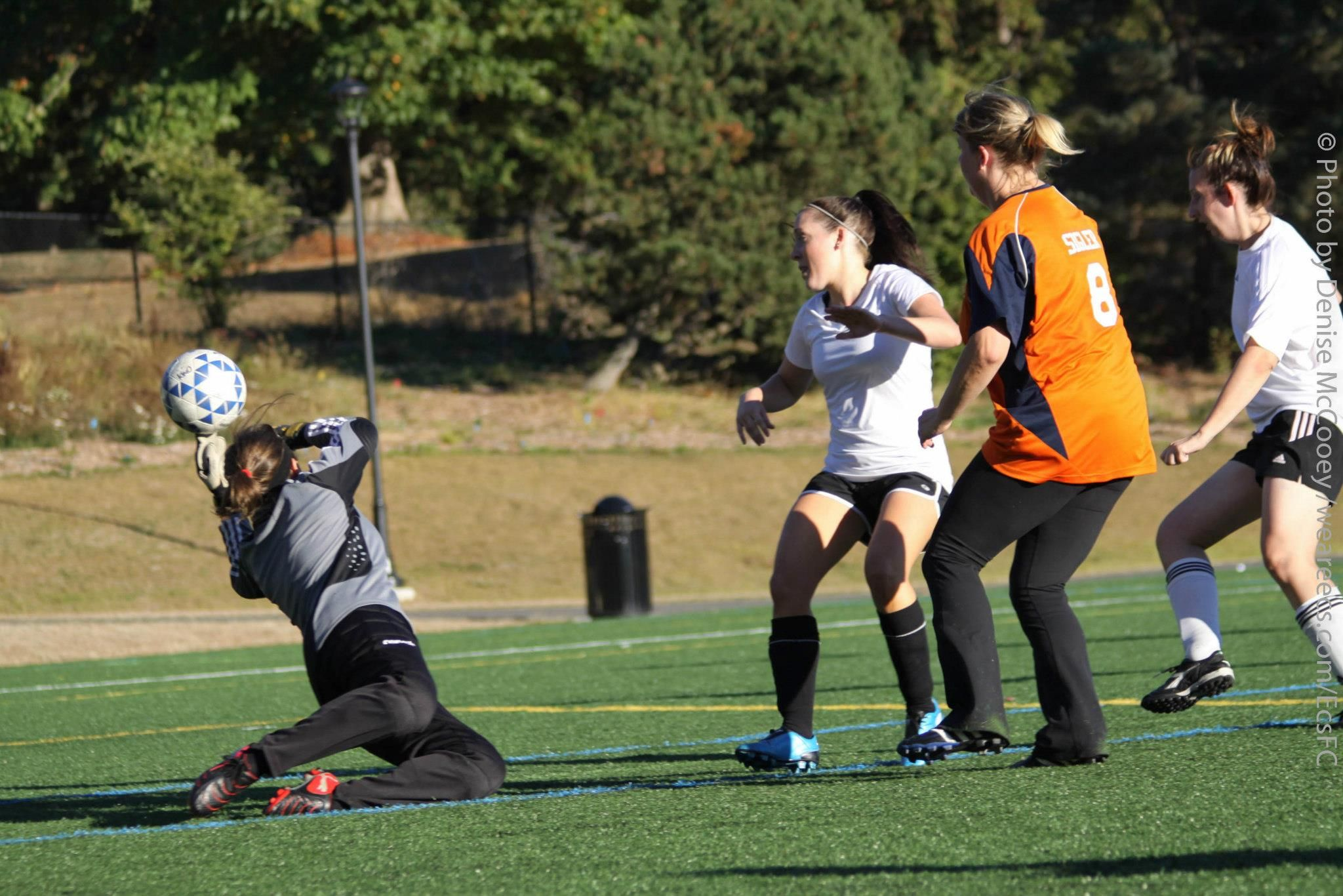 Local Seattle League Rats Encouraging Women Through Soccer With Images Womens Soccer Women Encouragement Soccer