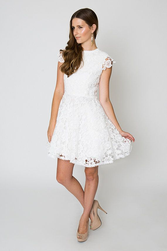 vintage inspired short wedding dress. LACE crochet tulle FULL mini ...