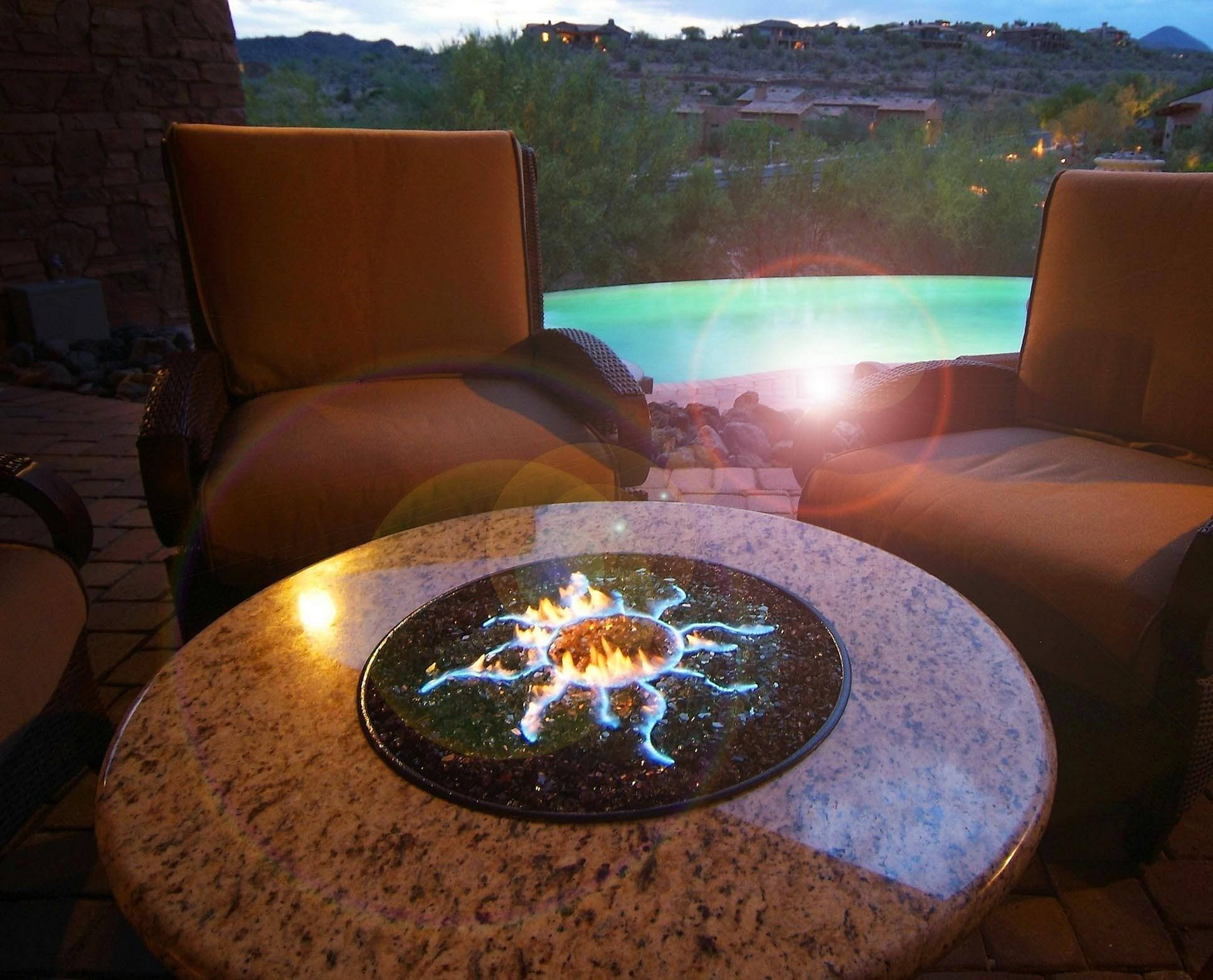 Outstanding 24 Beautiful Backyard Design With Awesome Fire Pit Ideas To Gather With Your Family https://24spaces.com/outdoor/24-beautiful-backyard-design-with-awesome-fire-pit-ideas-to-gather-with-your-family/