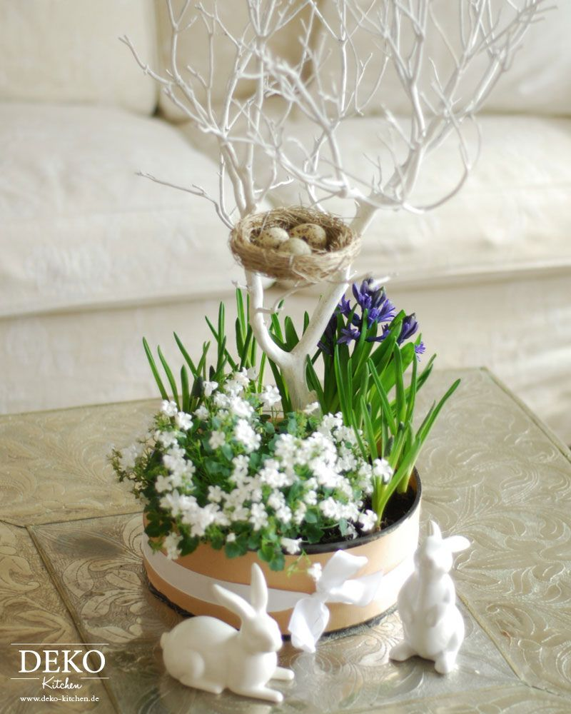 diy blumendeko centerpiece f r ostern deko kitchen basteln ostern pinterest. Black Bedroom Furniture Sets. Home Design Ideas